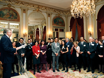 Lee C. Bollinger announces the launch of Columbia's Global Center in Europe during a March 15 Columbia Alumni Association reception for French alumni at the Hotel Ritz Paris.
