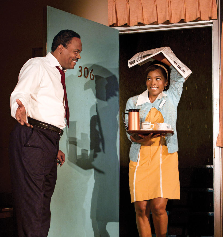 Samuel J. Jackson and Angela Bassett in The Mountaintop