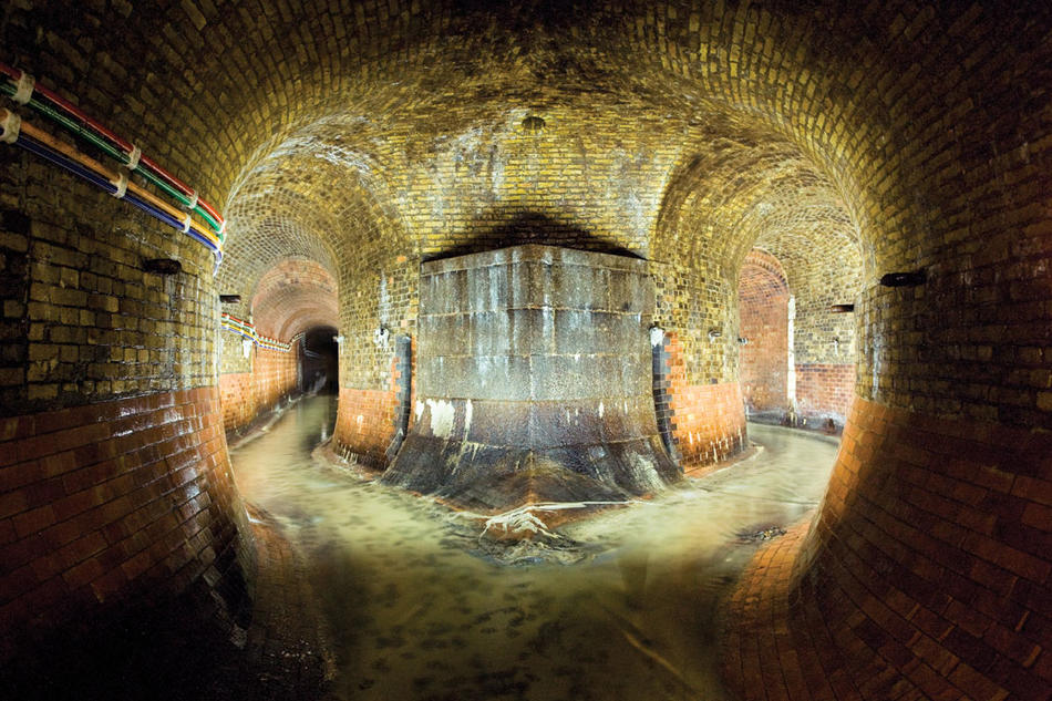 Photograph by Steve Duncan of the Fleet River sewer, London