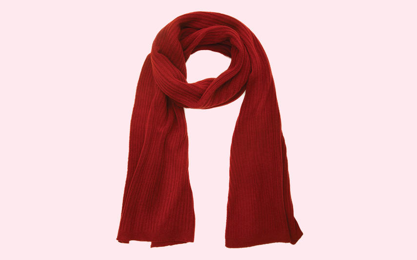 Red knit scarf from Grete